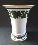 Vase with grape leaves - Meissen