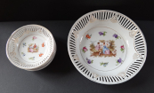 Bowl with bowls - Gallant scene