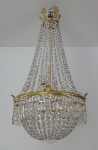 Crystal chandelier with gilded bronze ring
