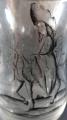 Sklenička s postavami, malovaná švarclotem (3).JPG