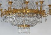 Luxusní lustr ze zlaceného bronzu, s broušenými ověsky (2).JPG