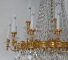 Luxusní lustr ze zlaceného bronzu, s broušenými ověsky (3).JPG