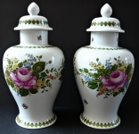 Pair of vases with lids - Unterweissbach