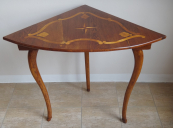 Corner table with inlays stars