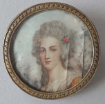 Miniature girls with roses - brooch