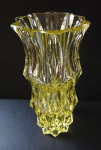 Vase with a wedge cut - Moser, Eldor