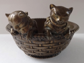 Two cats in a wicker basket - Bronze