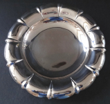 Silver smaller bowl on legs - Franz Bibus