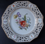 Gilded plate with cut edges and flowers - Wunsiedel