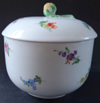 Sugar bowl with flowers and yellow bud - Meissen