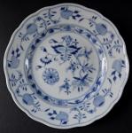 Small Meissen plate - onion pattern