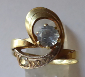 Ring with clear and blue stones - a bow