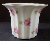 Porcelain flower pot, with roses - Rosenthal
