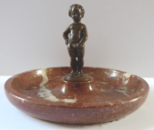 A marble bowl with a bronze little boy statue - Franta Anyz