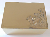 Brass box for cigars, with hunting dogs - Art Nouveau