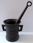 Mortar with center belt and round pestle