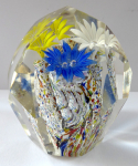 Small paperweight - blue, yellow and white flower