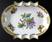 Porcelain ashtray Queen Victoria - Herend