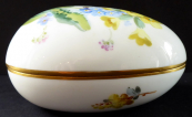 Porcelain egg, yellow and blue flowers - Meissen