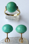 Gold ring and earrings, with aventurine