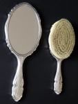 Silver mirror and brush - Franz Bibus