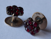 Garnet cuff links - gold alloy