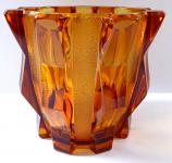 Cubist style amber vase - Rudolf Schrötter, model Roma