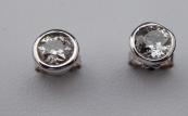 Round diamond earrings, white gold - 1.0 ct