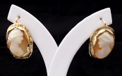 Gold earrings with portraits of girls - cameos