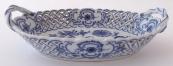 Porcelain oval small basket, onion pattern - Teichert, Meissen