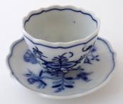 Mocha cup with onion pattern - Meissen, Teichert