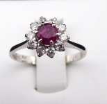 Ring, flower with ruby and diamonds 0.30 ct