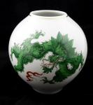 Meissen vase with green dragon Ming