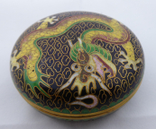 Round small box with Chinese dragon and coloured enamel