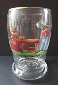Džbánek s malovanými figurami