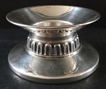 Malý nízký stříbrný svícen (1).JPG