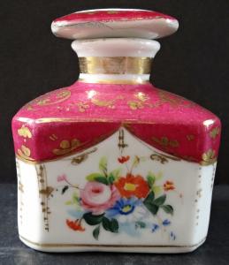 Porcelánový flakon, s květy (1).JPG
