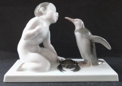 Chlapec s tučňákem a krabem - Rosenthal, Liebermann (1).JPG