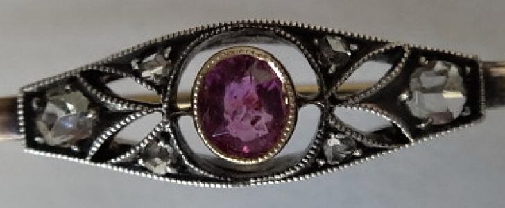 Zlatá brož s diamantem a ametystem (1).JPG