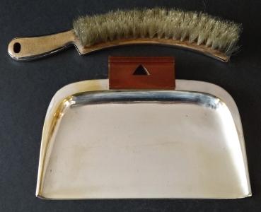 Stolní lopatka se smetáčkem, postříbřená - WMF (1).JPG