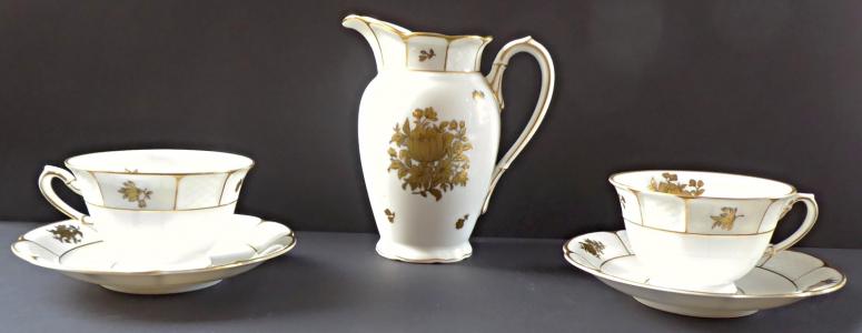 Konvička a dva šálky, zlaté kvítky - Rosenthal (1).JPG