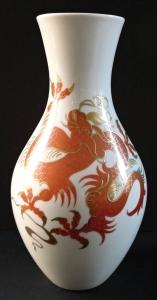 Váza s červeným čínským drakem - Wallendorf (1).JPG